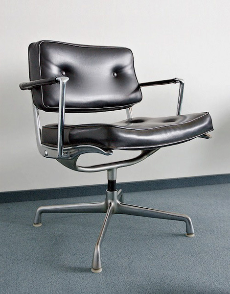 ES 102 Intermediate Swivel Arm Chair