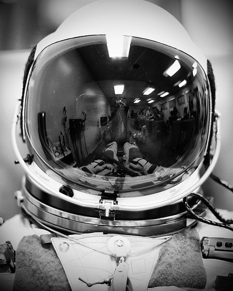 Astronaut's Helmet Earth Reflection (page 2) - Pics about ...
