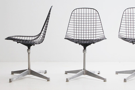 Swivel wire chair
