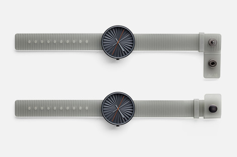 Plicate wristwatch