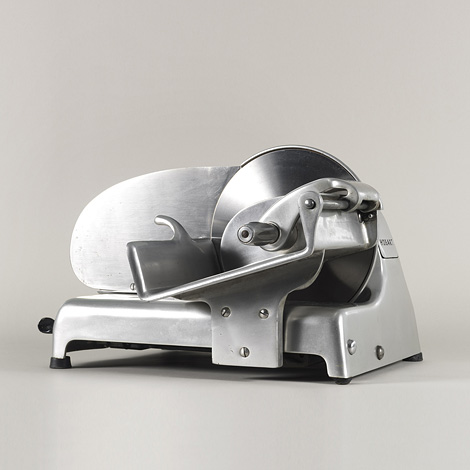 Streamliner meat slicer