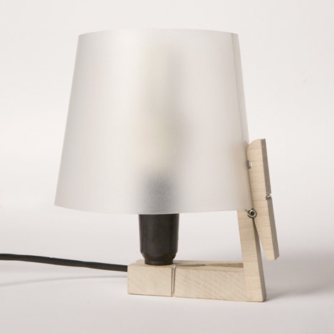 Clothespeg lamp