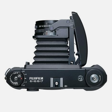 FujiFilm GF670 medium format folding film camera