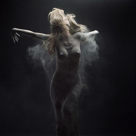 Olivier Valsecchi: Dust