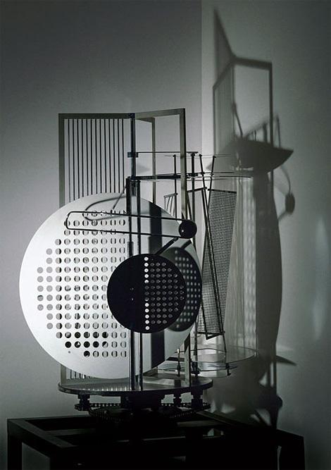 László Moholy-Nagy: Light Space Modulator