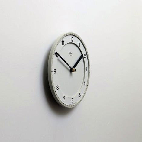 Braun Clock by Dietrich Lubs x Dieter Rams