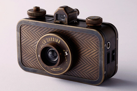 Fred Perry x Lomography La Sardina Camera