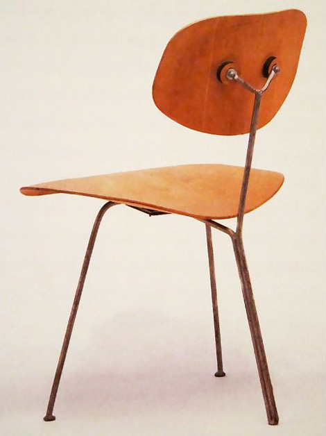 Eames 3 legged chair