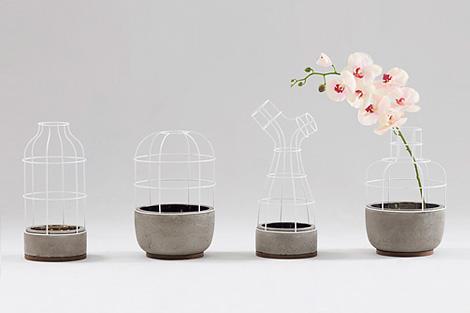 V4 Vase