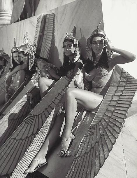 Cleopatra extras