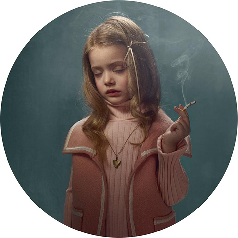 Frieke Janssens: Smoking Kids