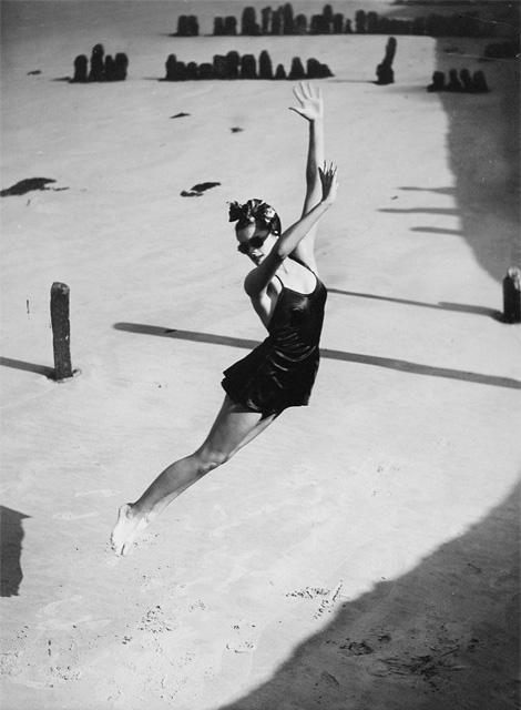 Norman Parkinson: Jump