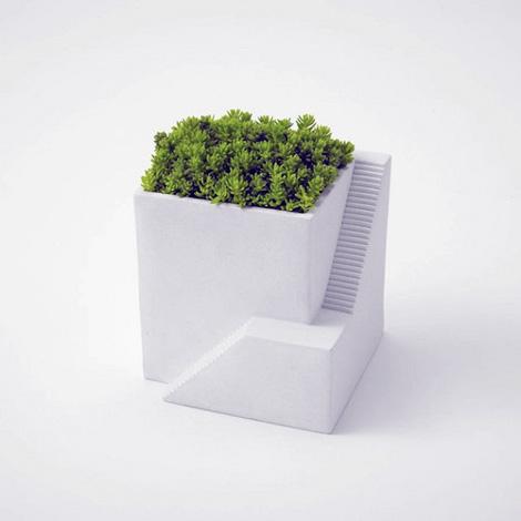 Ienami planter