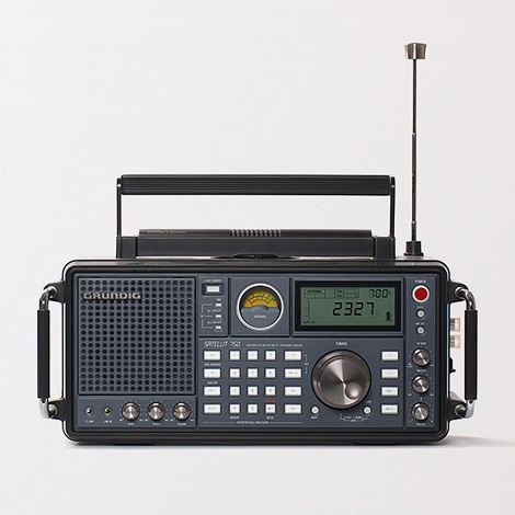 Grundig Satellit 750 shortwave radio