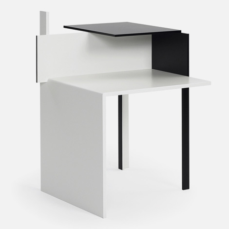 Eileen Gray tables