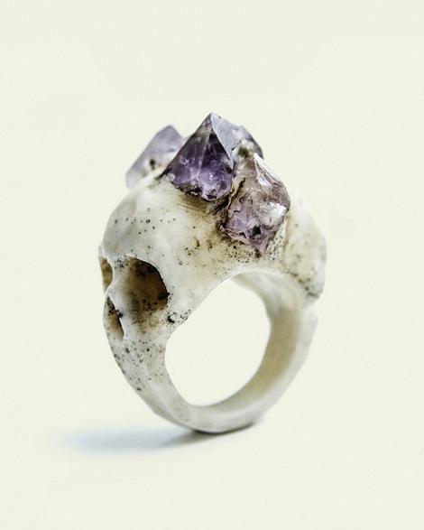 Bifacial Skull Ring