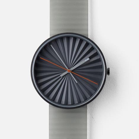 Plicate wristwatch