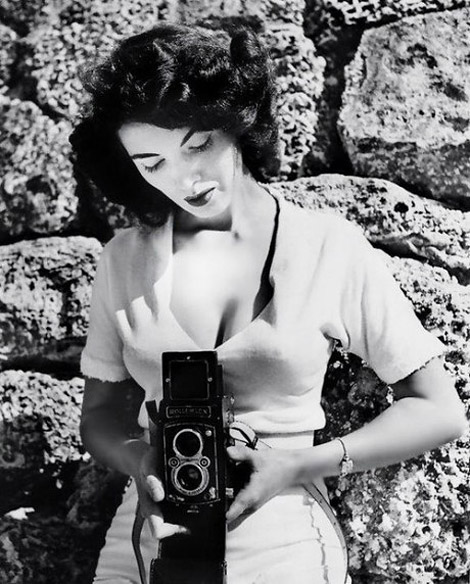 Bunny Yeager R.I.P.