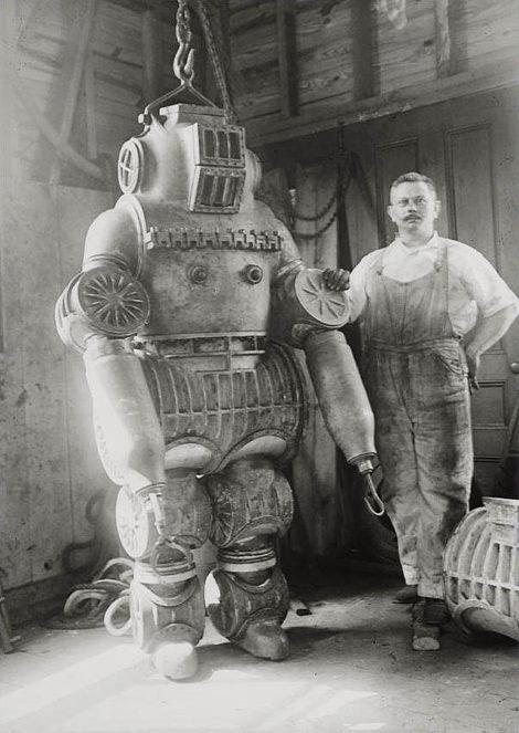Diving suit c.1911