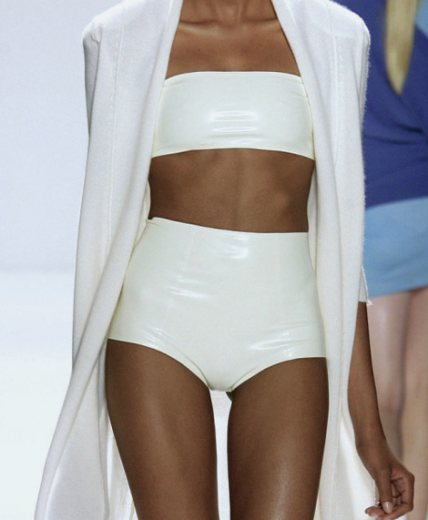 Allude SS 2010