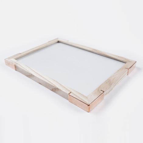 Epaulette picture frame