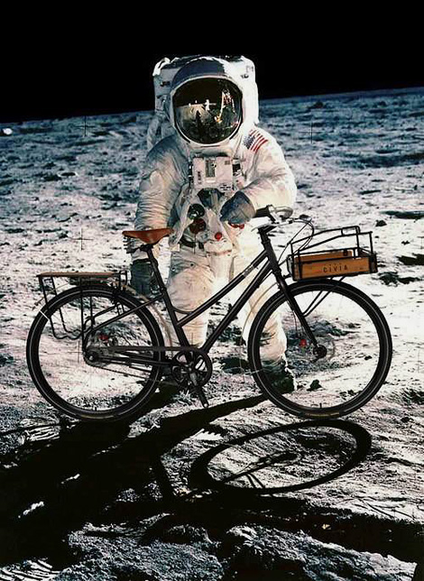 Moon bike