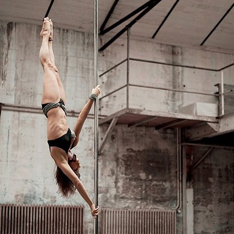 Karo Swen – Pole dance