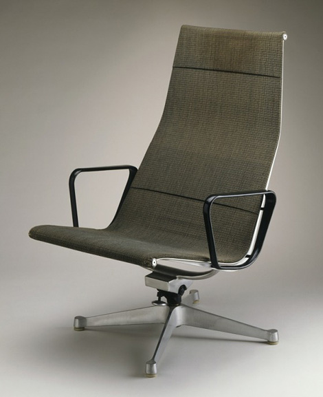 Eames aluminium chair