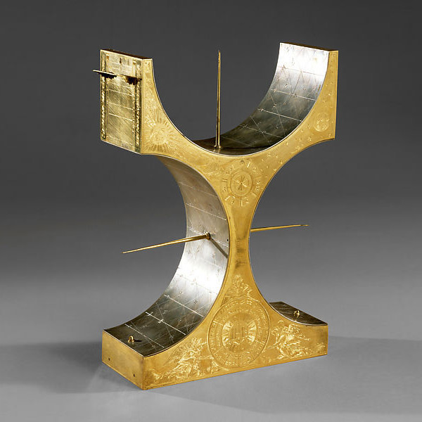 Multifaced Equatorial Sundial