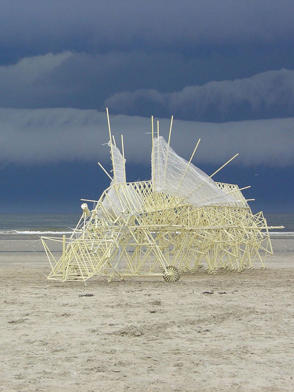 Strandbeest x Theo Jansen