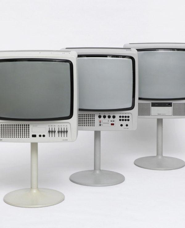 Wega TV trio