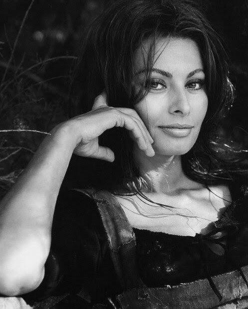 Sophia Loren x Milton H. Greene