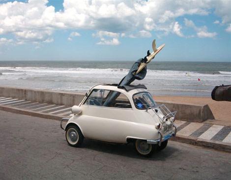Isetta & surfboard
